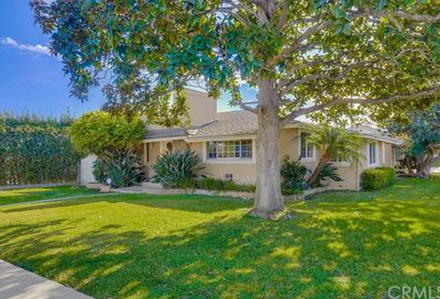 2555 Vista Baya Newport Beach CA 92660
