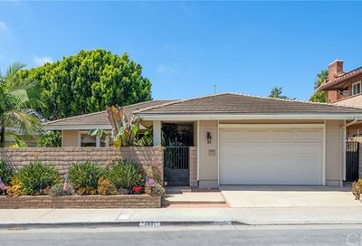 6891 Lawn Haven Drive Huntington Beach CA 92648