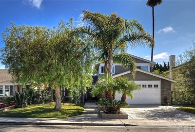 10052 Signet Circle Huntington Beach CA 92646