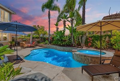 9876 Carrara Circle Cypress CA 90630