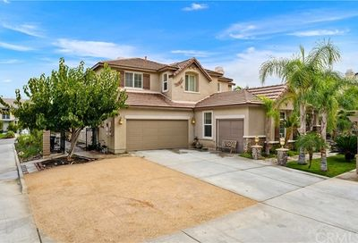 12 Via Palmieki Court Lake Elsinore CA 92532