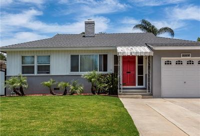 3308 Senasac Avenue Long Beach CA 90808