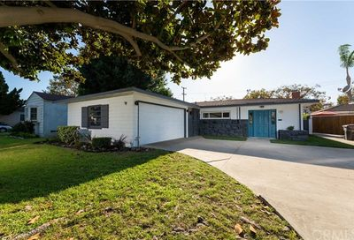 4237 Charlemagne Avenue Long Beach CA 90808