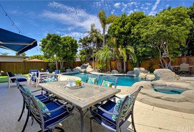 6941 Church Circle Huntington Beach CA 92648