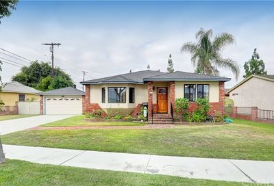 13319 Pepperwood Avenue Bellflower CA 90706