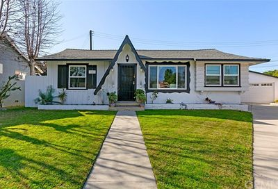 21411 Seeley Place Lakewood CA 90715