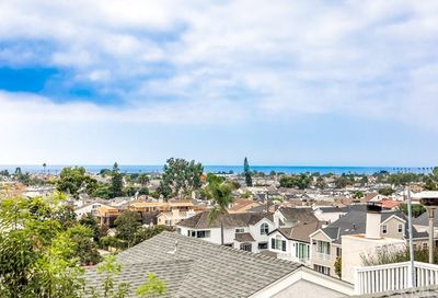 716 Poinsettia Avenue Corona Del Mar CA 92625