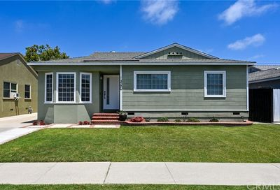 3726 Nipomo Avenue Long Beach CA 90808
