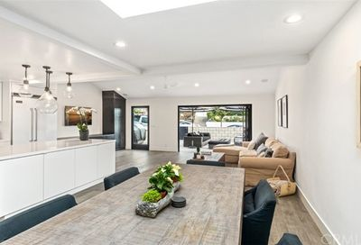 713 Poinsettia Avenue Corona Del Mar CA 92625