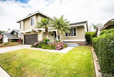 4732 Candleberry Avenue Seal Beach CA 90740