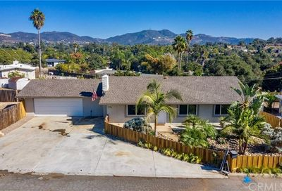 1146 Shadow Mountain Terrace Vista CA 92084
