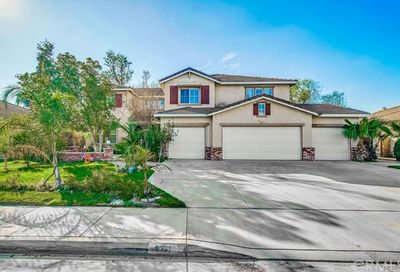 5761 Mark Twain Court Eastvale CA 92880