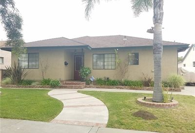 5214 Knoxville Avenue Lakewood CA 90713