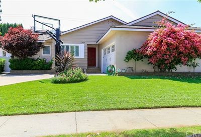 5819 Faust Avenue Lakewood CA 90713