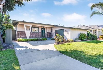 2851 Nipomo Avenue Long Beach CA 90815