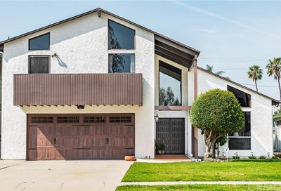 3733 Pine Avenue Long Beach CA 90807