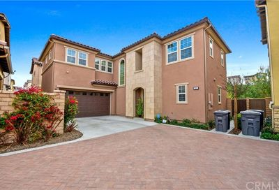 41 Castellana Lake Forest CA 92630