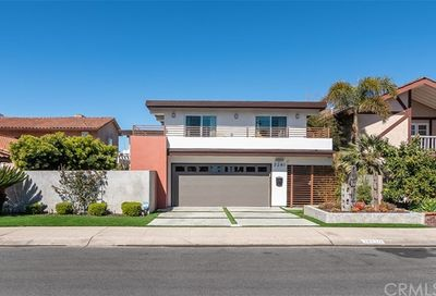 3261 Falkland Circle Huntington Beach CA 92649