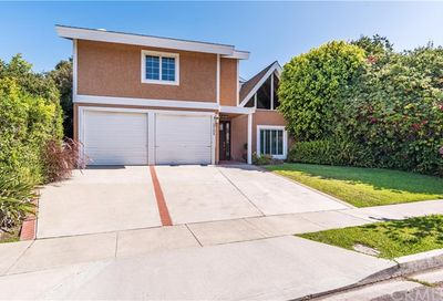 1725 Crestview Avenue Seal Beach CA 90740