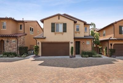 62 Fuchsia Lake Forest CA 92630