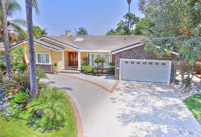 10260 Lesterford Avenue Downey CA 90241