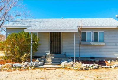 9242 Piedras Morongo Valley CA 92256