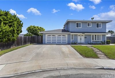 17952 Caledonia Circle Huntington Beach CA 92647