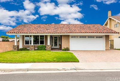 9821 Lapworth Circle Huntington Beach CA 92646
