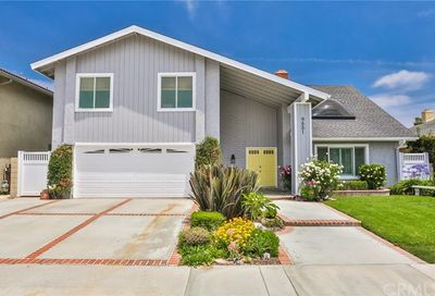 9881 Hot Springs Drive Huntington Beach CA 92646