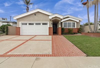 735 Catalina Avenue Seal Beach CA 90740
