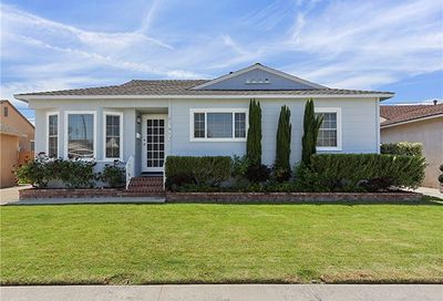 3813 Mcnab Avenue Long Beach CA 90808