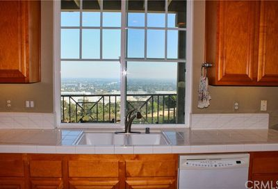 2599 Eastwind Way Signal Hill CA 90755