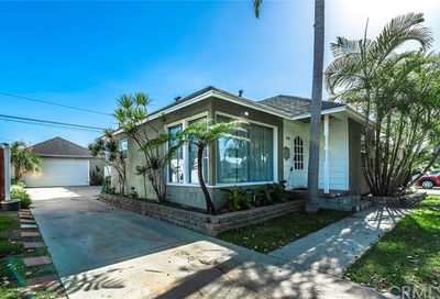 3126 Charlemagne Avenue Long Beach CA 90808