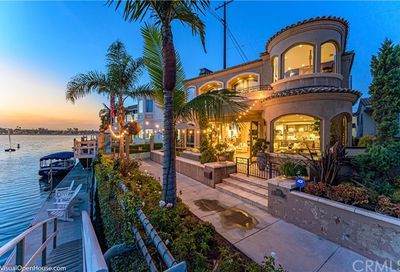 5565 Naples Canal Long Beach CA 90803