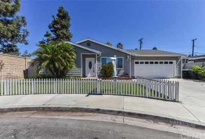2136 Raleigh Avenue Costa Mesa CA 92627