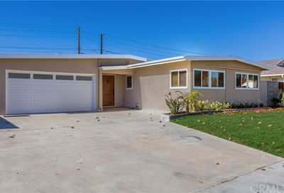 3221 Hackett Avenue Long Beach CA 90808