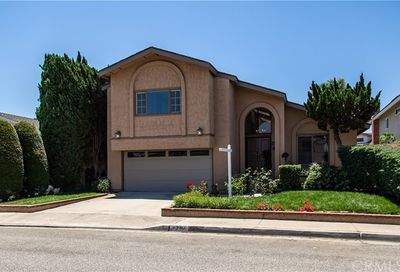 4280 Birchwood Avenue Seal Beach CA 90740