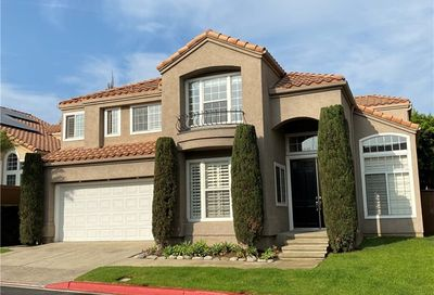 1833 Peninsula Place Costa Mesa CA 92627