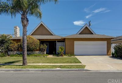 22072 Capistrano Lane Huntington Beach CA 92646