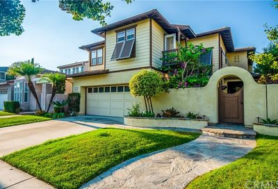 6711 Brentwood Drive Huntington Beach CA 92648