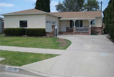 12033 209th Street Lakewood CA 90715