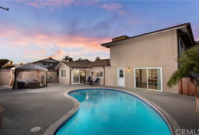 8212 Kingfisher Drive Huntington Beach CA 92646