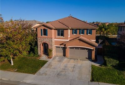 53083 Memorial Street Lake Elsinore CA 92532