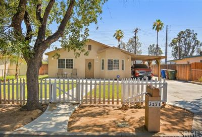 3271 Tangerine Way Riverside CA 92506