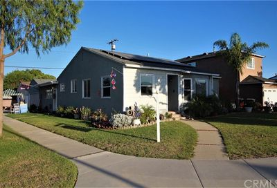 4354 Vangold Avenue Lakewood CA 90712