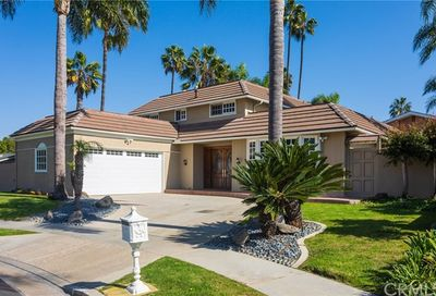 16922 Fairfield Circle Huntington Beach CA 92649