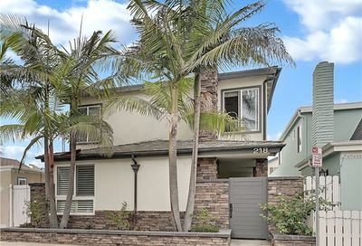 218 Walnut Street Newport Beach CA 92663