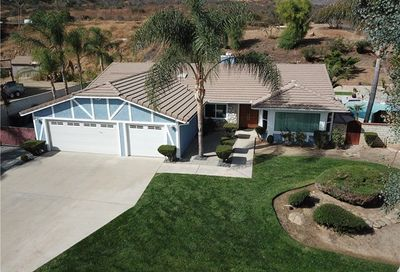 30597 Rockridge Road Lake Elsinore CA 92530