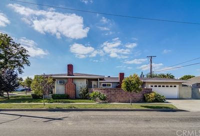 3051 Monogram Avenue Long Beach CA 90808