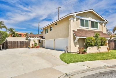 419 Portland Circle Huntington Beach CA 92648